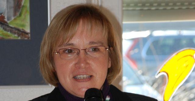 Silberne Ehrennadel des Kanuverbandes NRW für Elke Heuver
